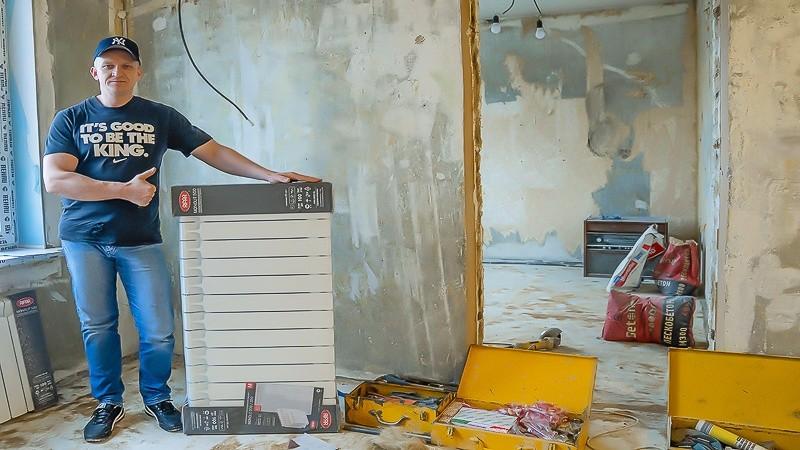 Олегович на объекте по замене радиаторов